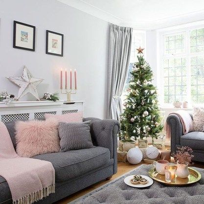 Awesome Winter Simple Living Room Decor Ideas You Must Try 10