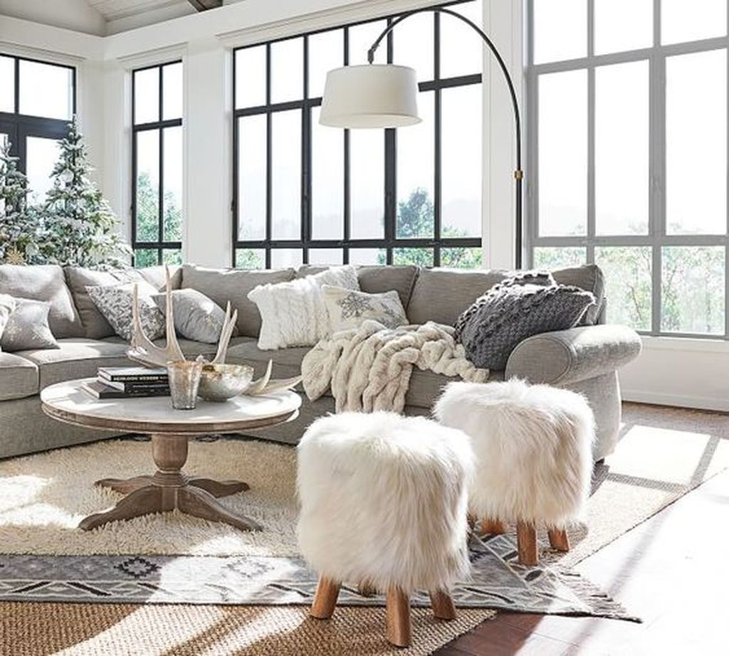 Awesome Winter Simple Living Room Decor Ideas You Must Try 25