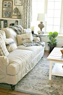 Awesome Winter Simple Living Room Decor Ideas You Must Try 44