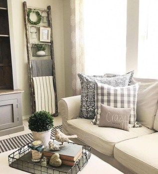 Awesome Winter Simple Living Room Decor Ideas You Must Try 46