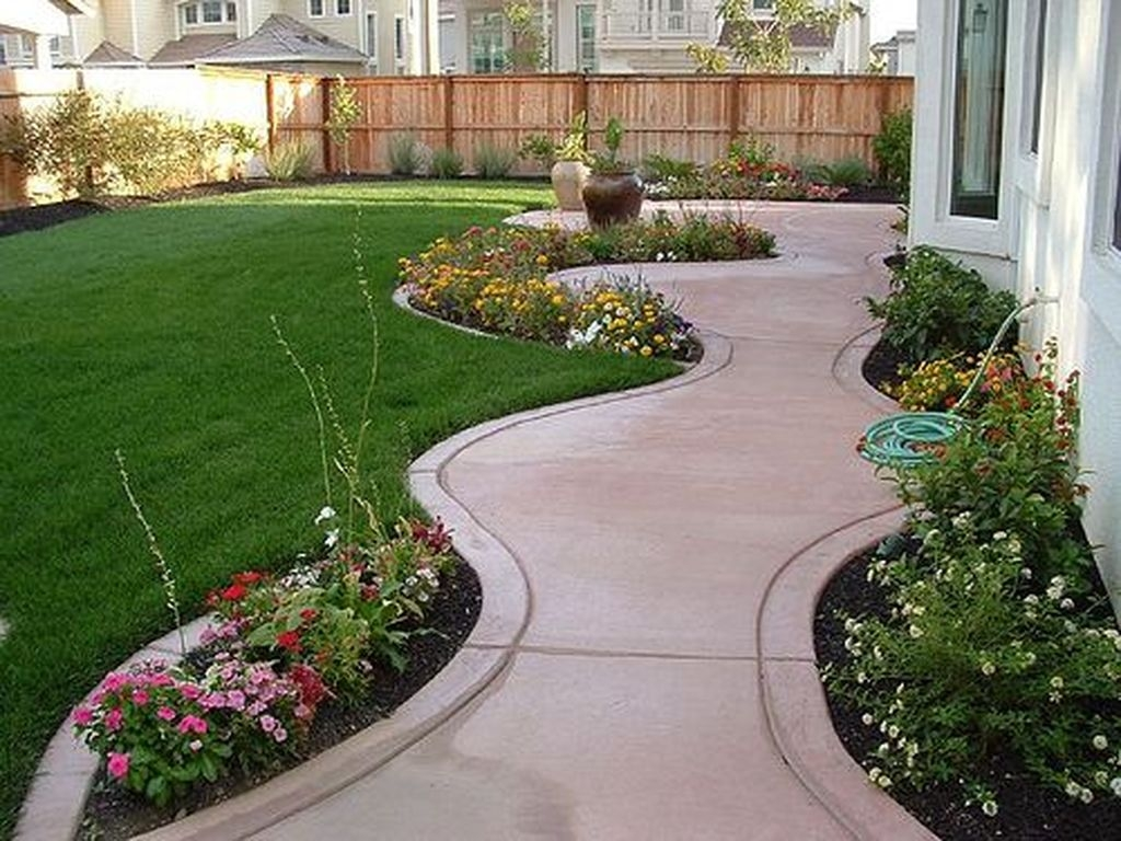 Beautiful Small Backyard Landscaping Ideas 07