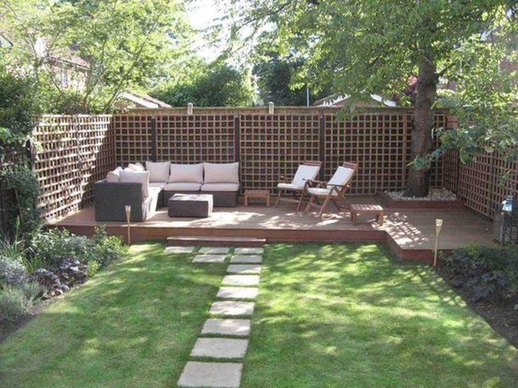 Beautiful Small Backyard Landscaping Ideas 11