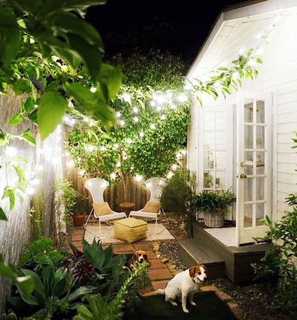 Beautiful Small Backyard Landscaping Ideas 26
