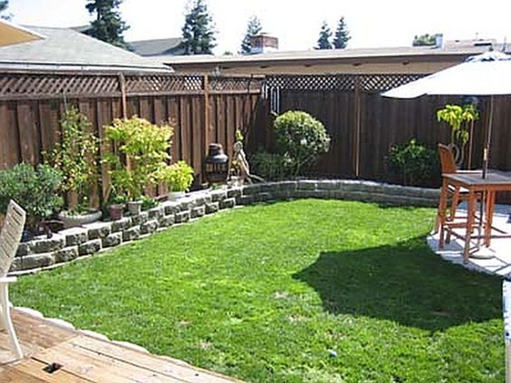 Beautiful Small Backyard Landscaping Ideas 32