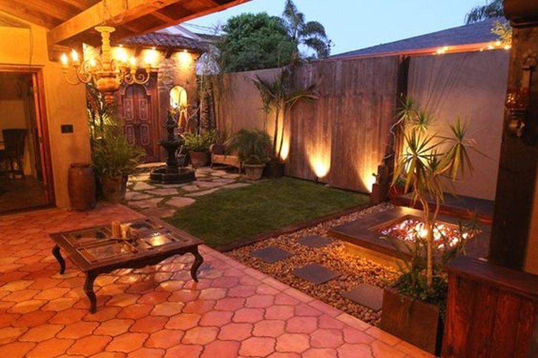 Beautiful Small Backyard Landscaping Ideas 46