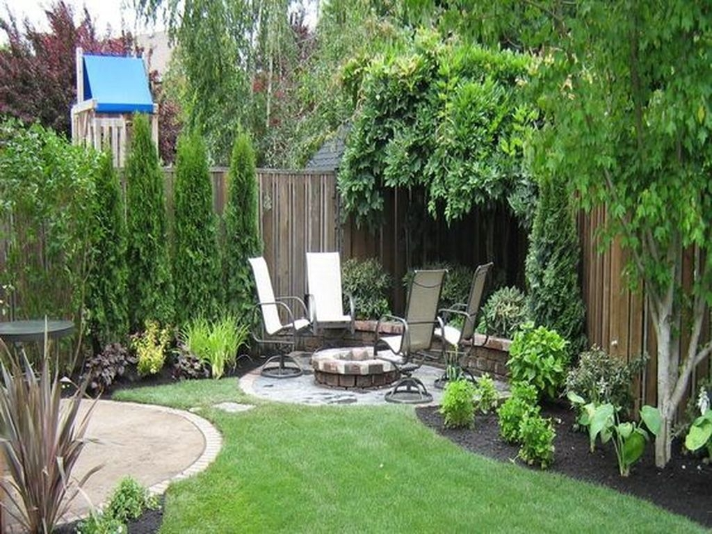 Beautiful Small Backyard Landscaping Ideas 50
