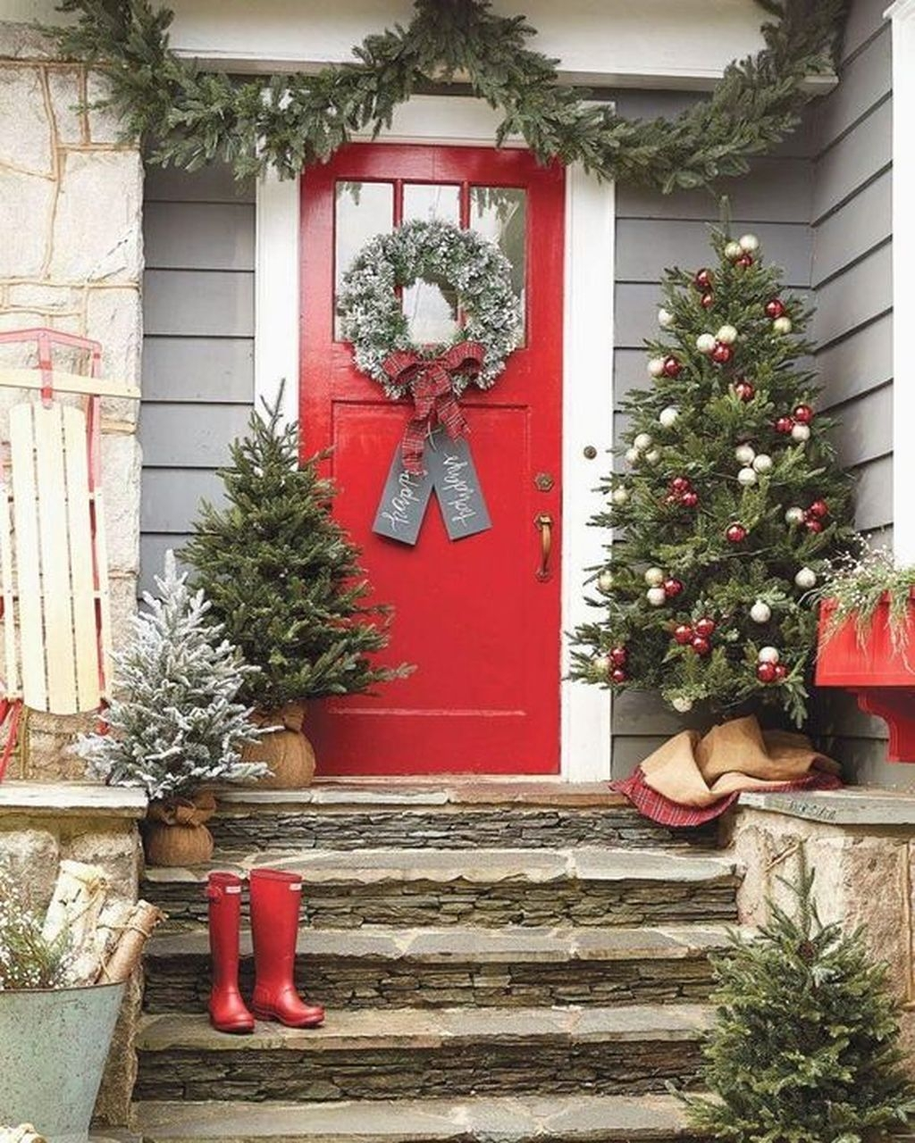 Gorgeous Winter Front Porch Design Ideas 06