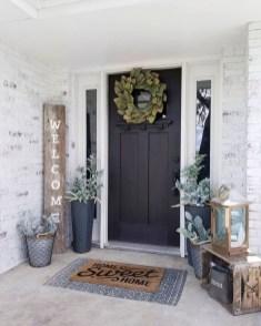 Gorgeous Winter Front Porch Design Ideas 32