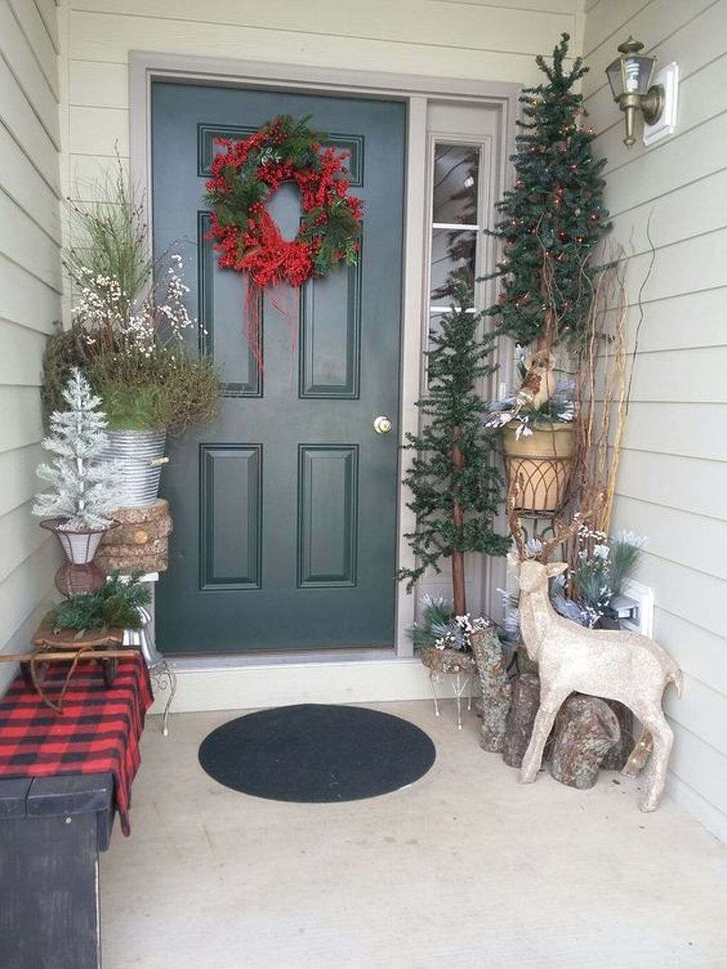 Gorgeous Winter Front Porch Design Ideas 36