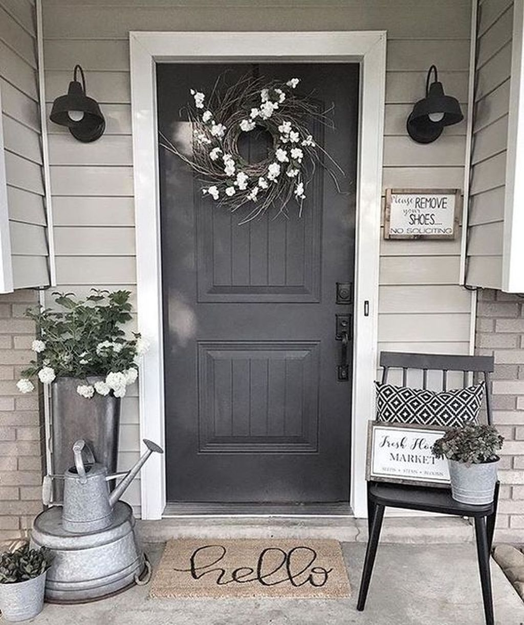 Gorgeous Winter Front Porch Design Ideas 40