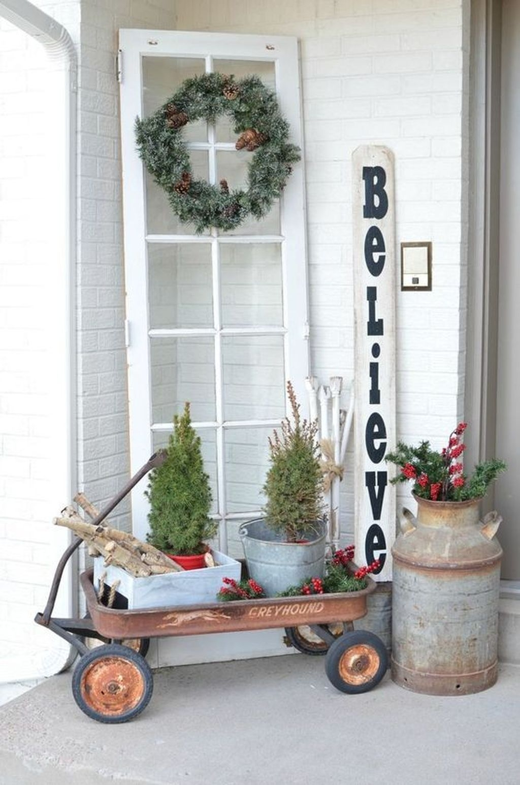 Gorgeous Winter Front Porch Design Ideas 46