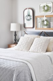 Lovely Winter Master Bedroom Decorations Ideas Best For You 15