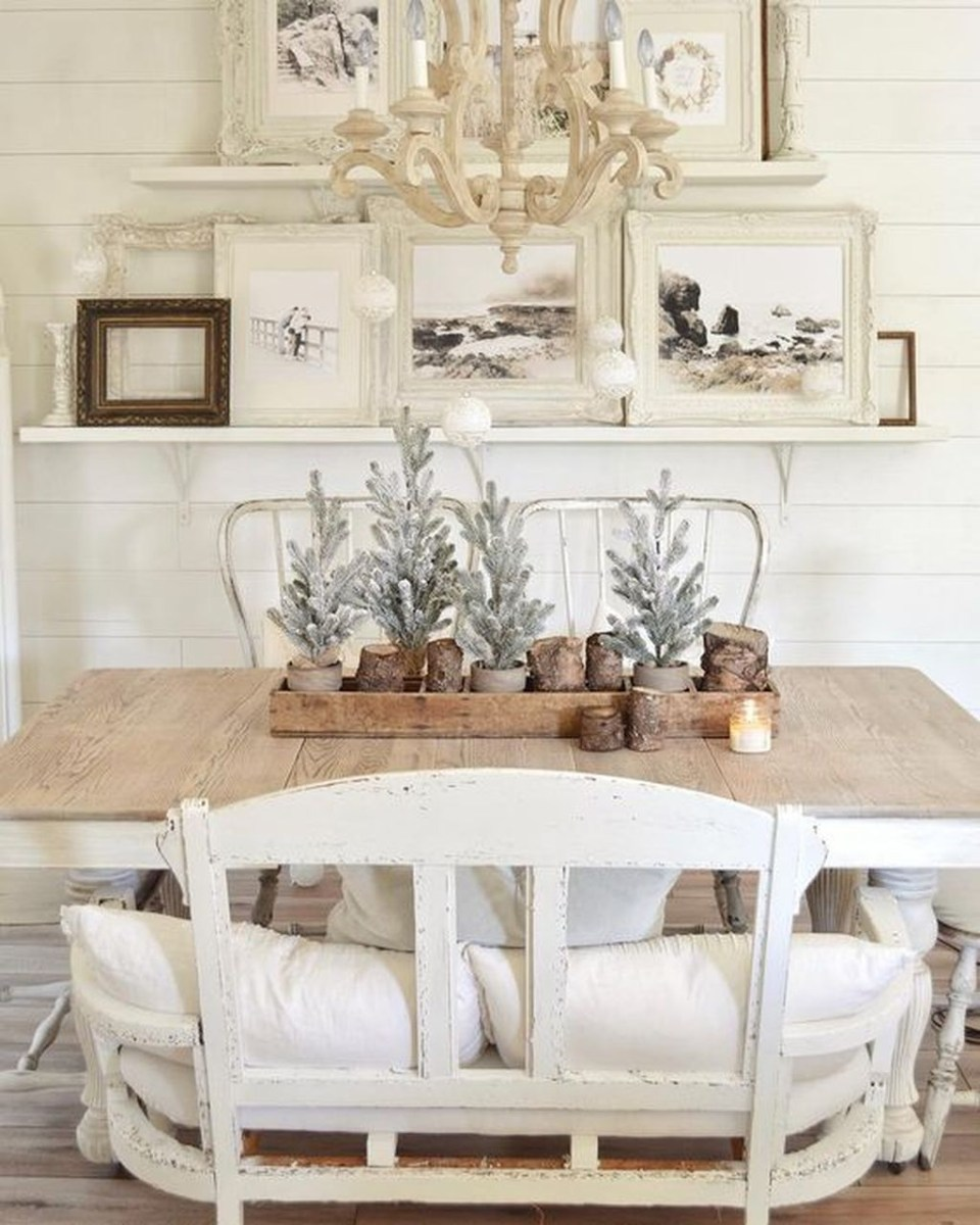 Popular Winter Dining Room Decorations On Your Table 02