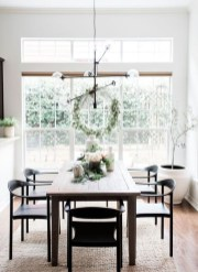 Popular Winter Dining Room Decorations On Your Table 14