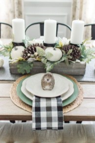 Popular Winter Dining Room Decorations On Your Table 26