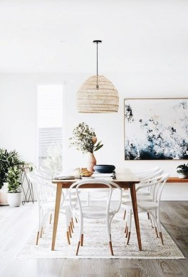 Popular Winter Dining Room Decorations On Your Table 42
