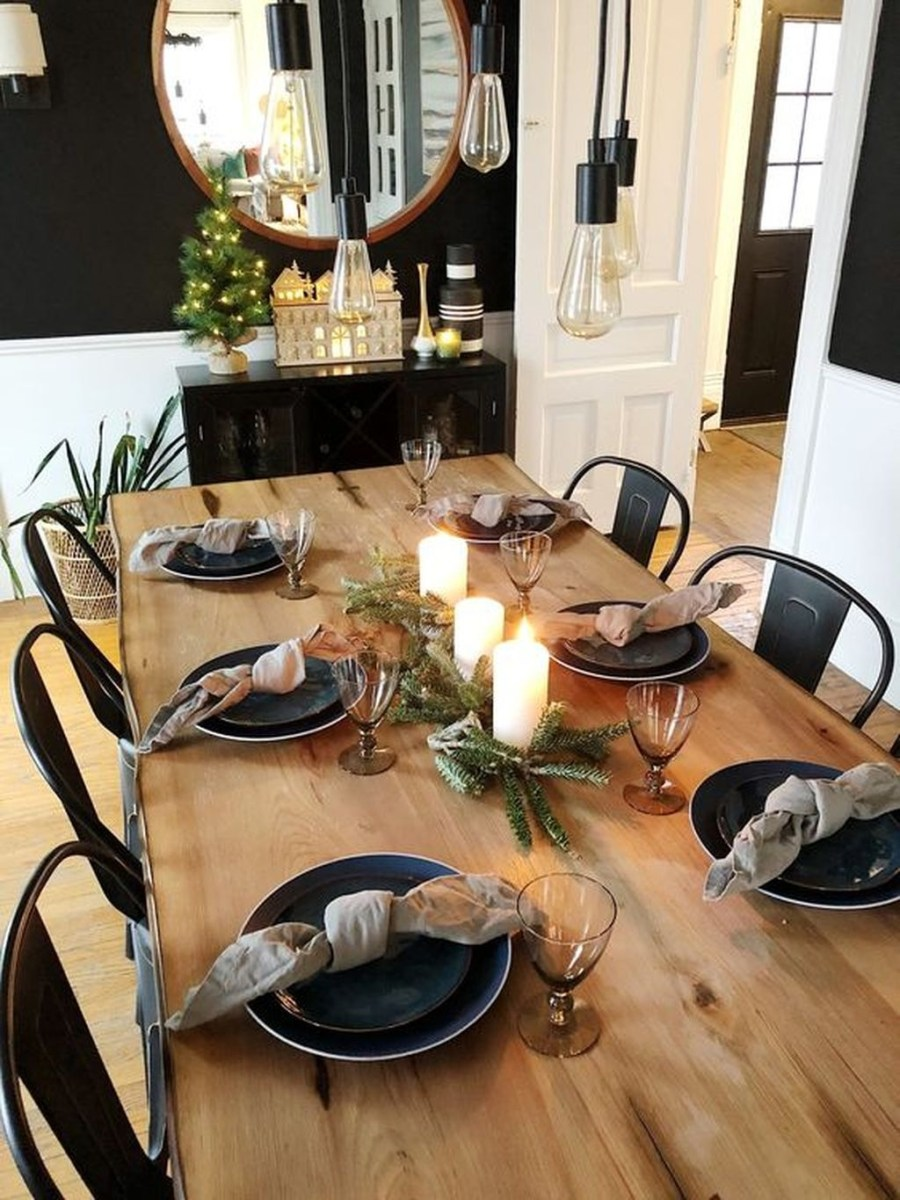 Popular Winter Dining Room Decorations On Your Table 43