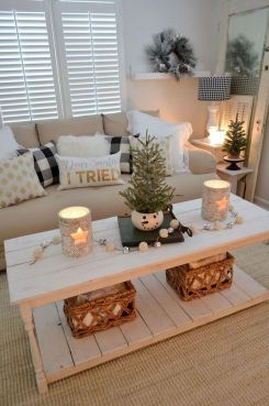 Stunning Winter Living Room Decor Ideas You Should Try 07