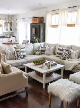 Stunning Winter Living Room Decor Ideas You Should Try 24