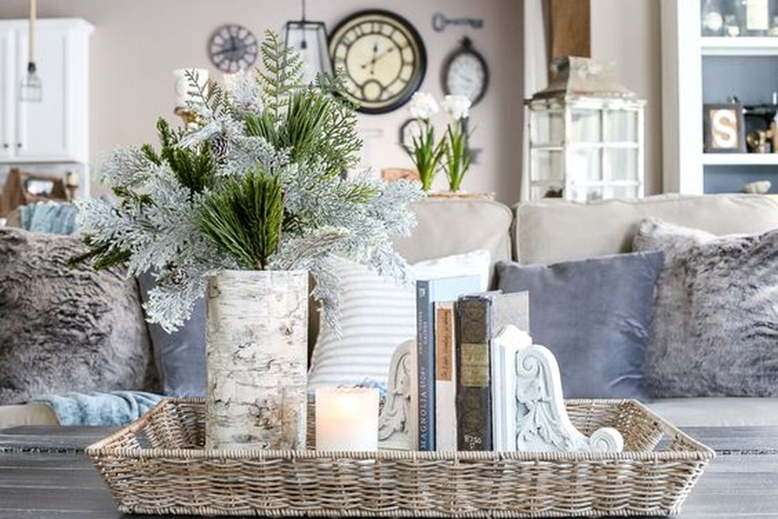 Stunning Winter Living Room Decor Ideas You Should Try 30