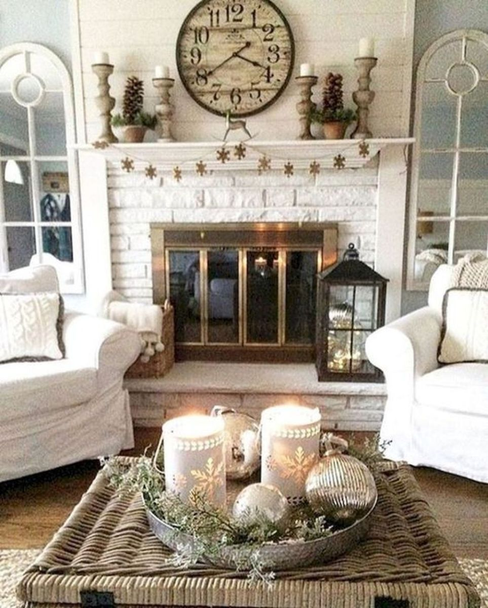 Stunning Winter Living Room Decor Ideas You Should Try 39