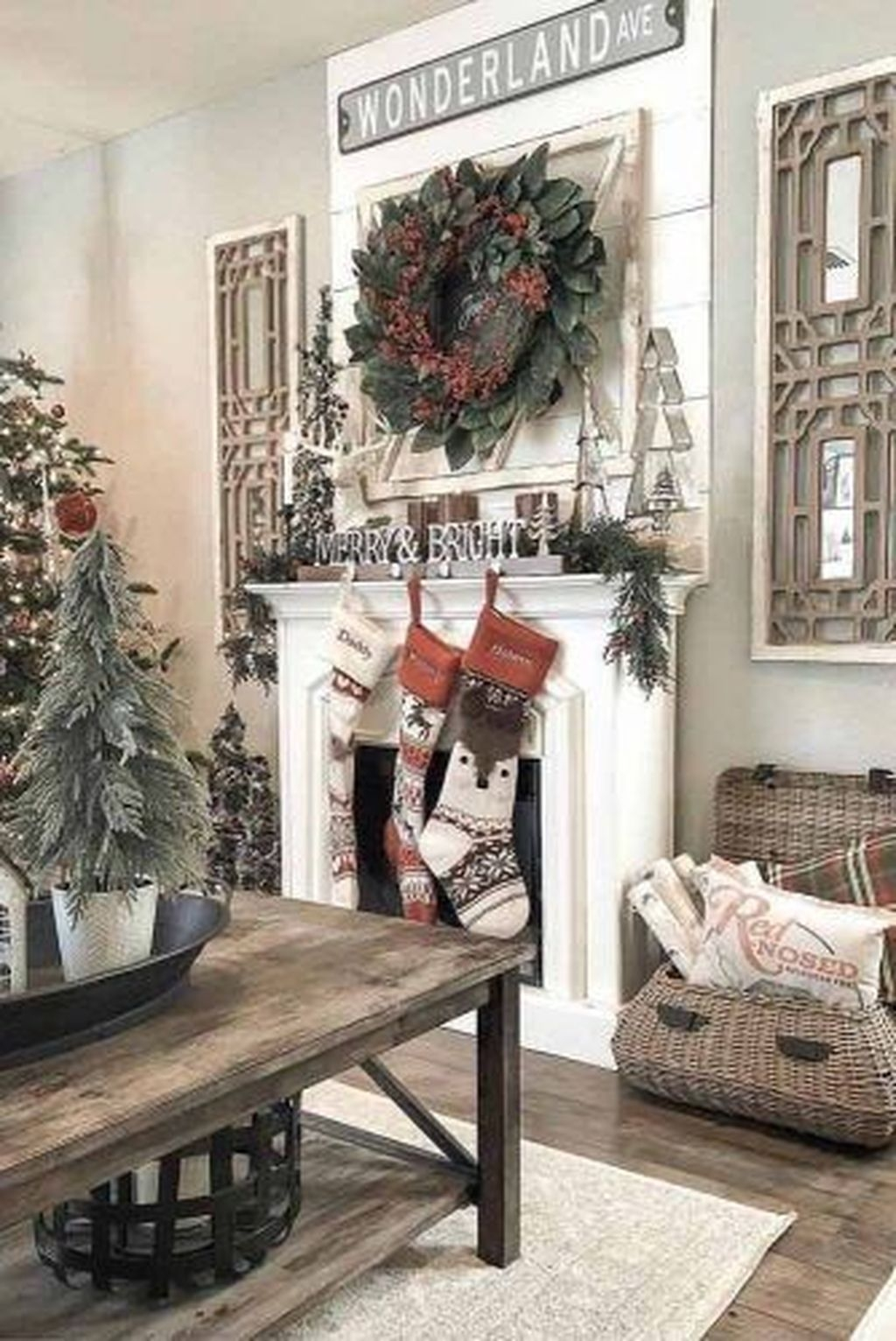 The Best Christmas Fireplace Decoration For Any Home Model 17