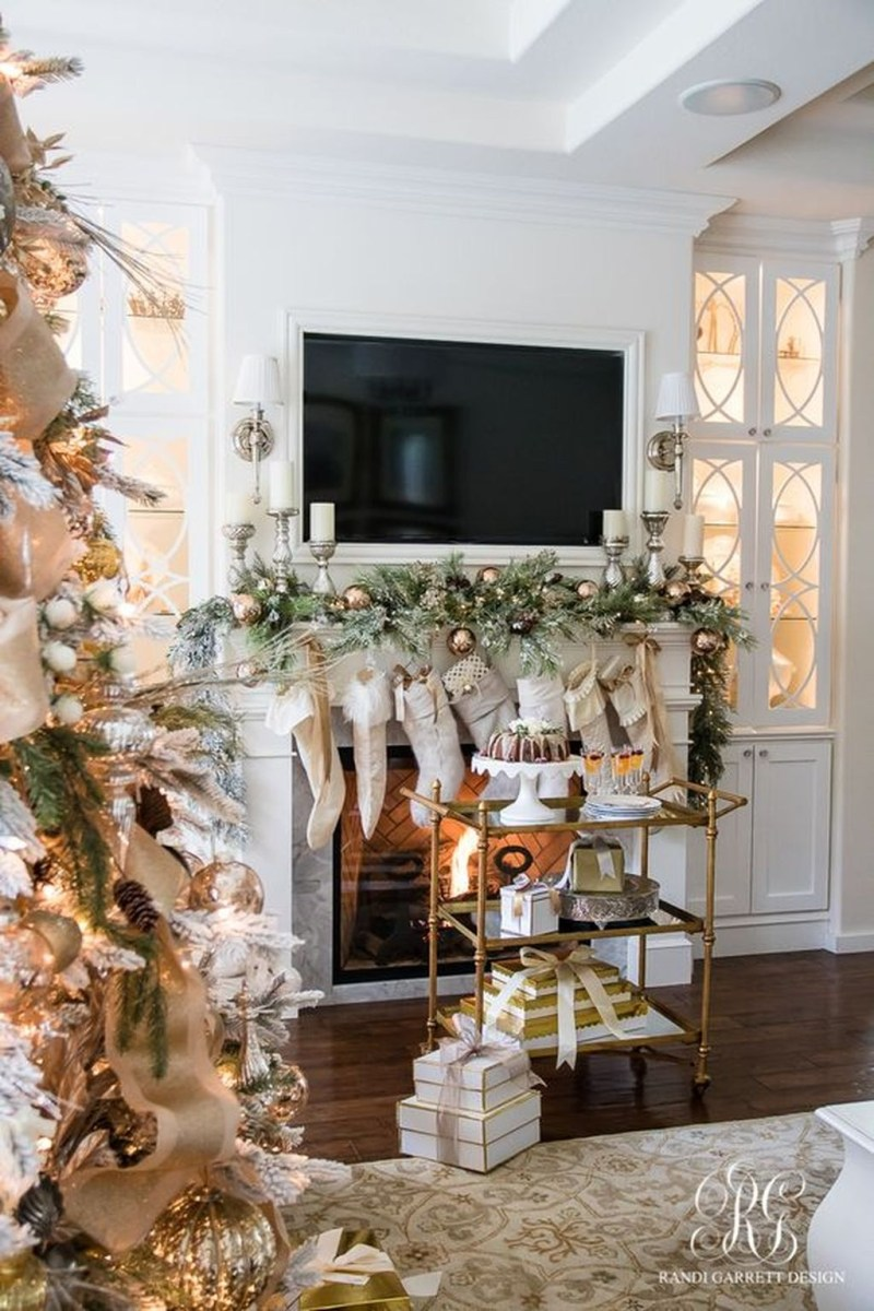 The Best Christmas Fireplace Decoration For Any Home Model 38