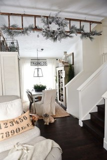 The Best Winter Dining Room Decorations 30