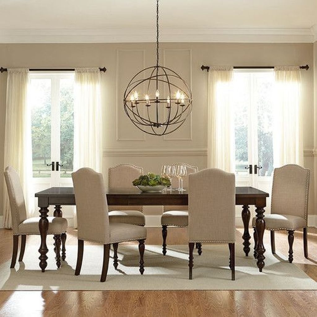The Best Winter Dining Room Decorations 37