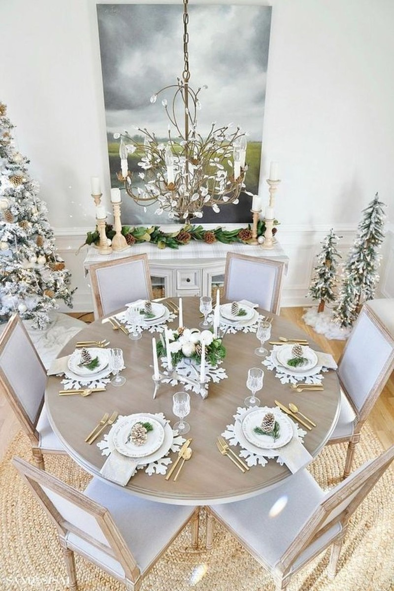 The Best Winter Dining Room Decorations 43