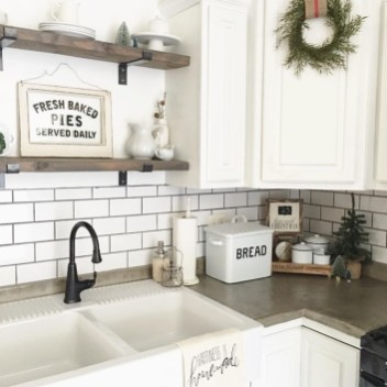 Amazing Remodeling Farmhouse Kitchen Decorations 09
