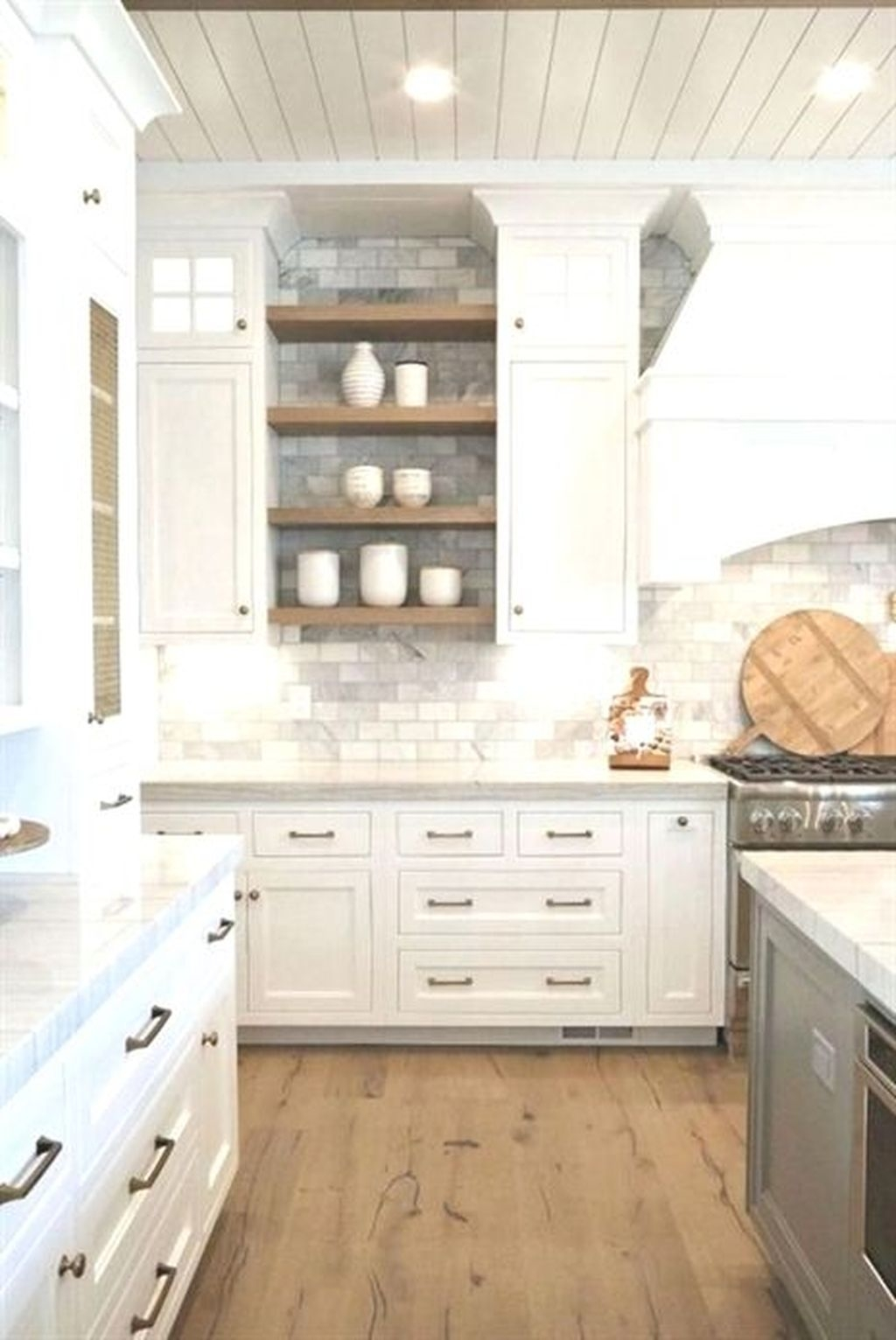 Amazing Remodeling Farmhouse Kitchen Decorations 38