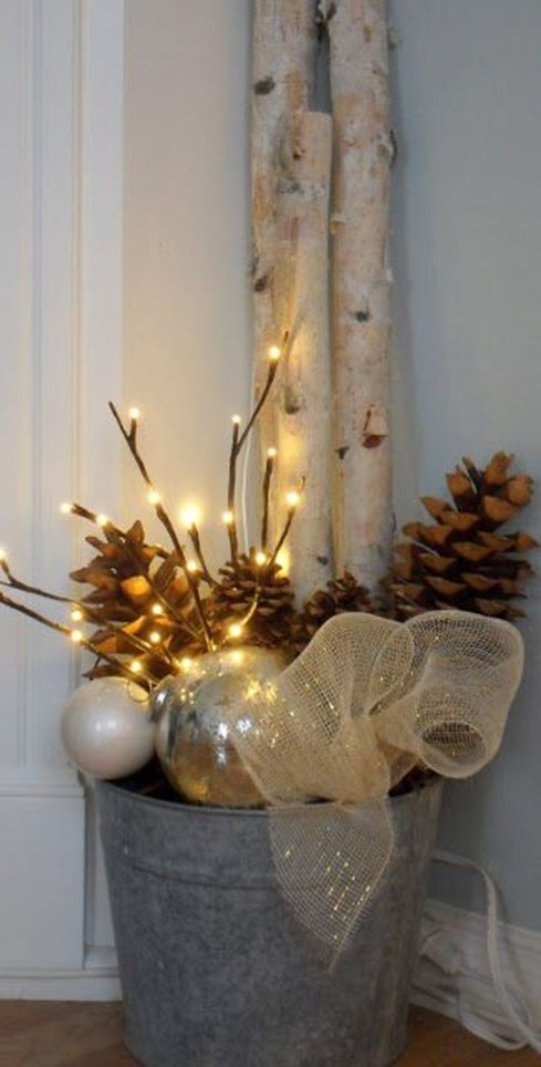 Applying Wooden Planks Correctly To Make Rustic Winter Home Decoration 49