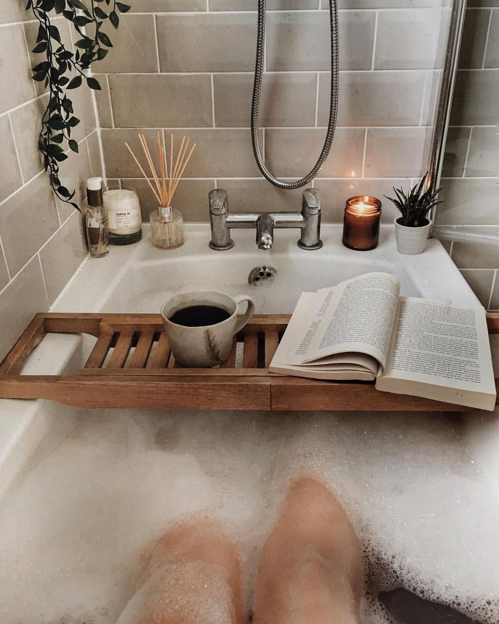 Awesome Winter Bathroom Decor You Need To Have 08