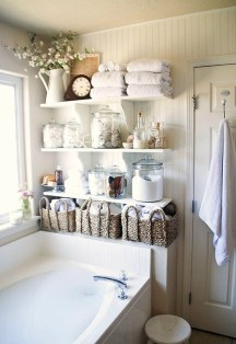 Awesome Winter Bathroom Decor You Need To Have 12