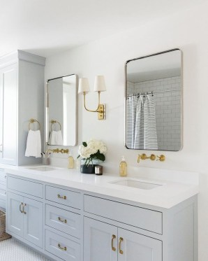 Awesome Winter Bathroom Decor You Need To Have 45