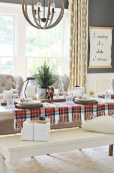 Beautiful Christmas Dining Room Decor Ideas Should You Apply This Winter 07