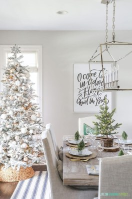 Beautiful Christmas Dining Room Decor Ideas Should You Apply This Winter 17