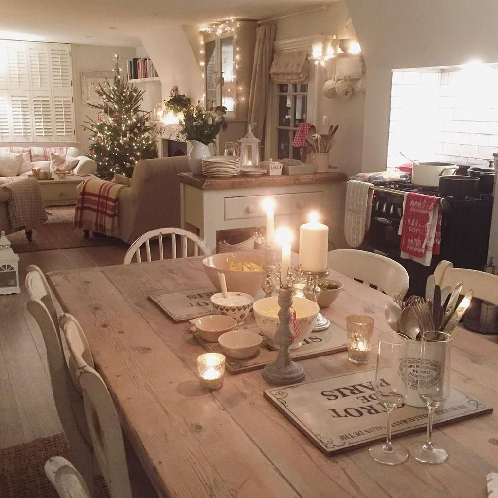 Beautiful Christmas Dining Room Decor Ideas Should You Apply This Winter 23