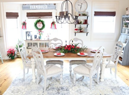 Beautiful Christmas Dining Room Decor Ideas Should You Apply This Winter 35
