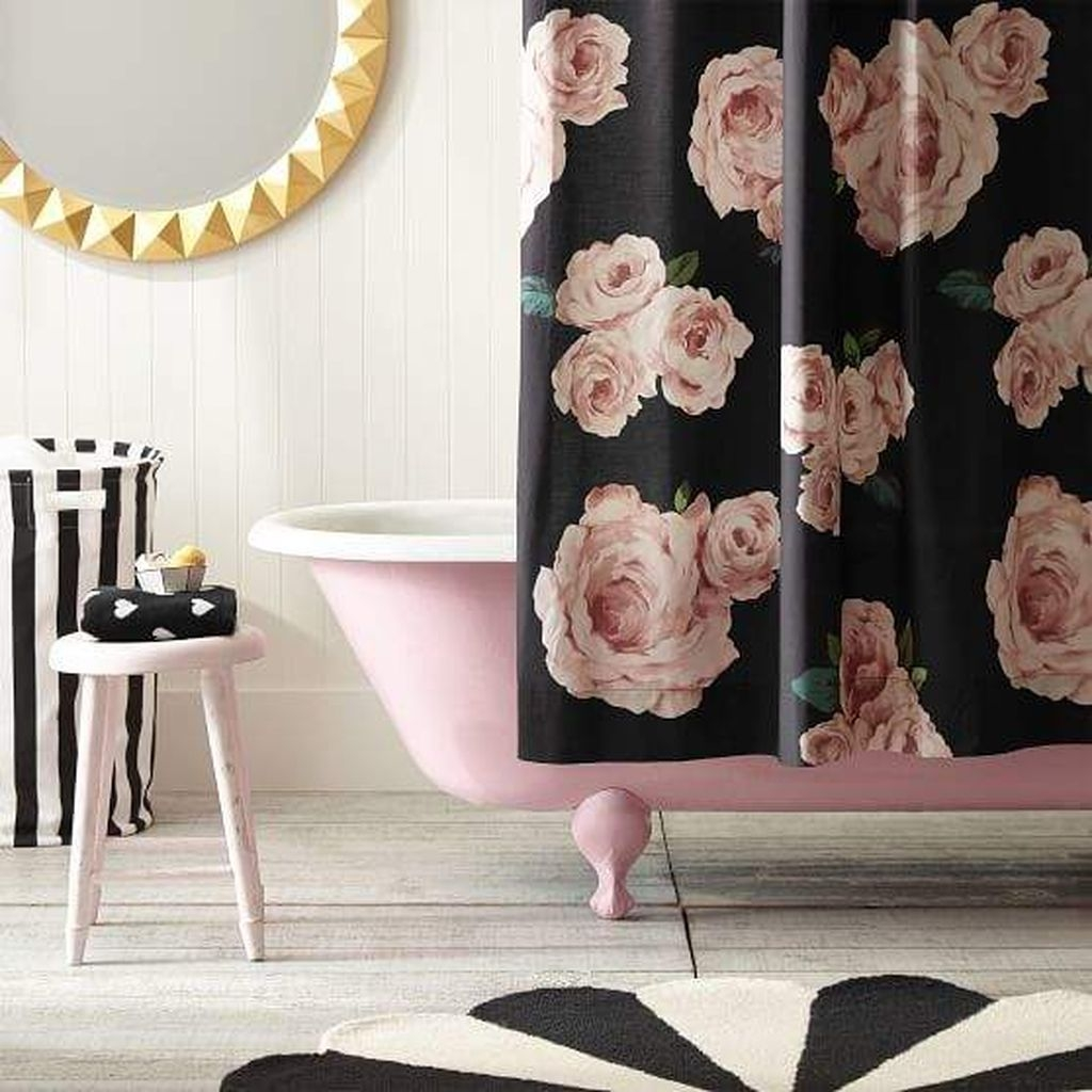 Beautiful Romantic Bathroom Decorations 10