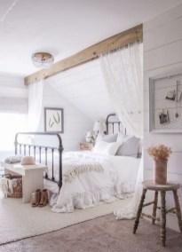 Beautiful White Bedroom Design Ideas 26