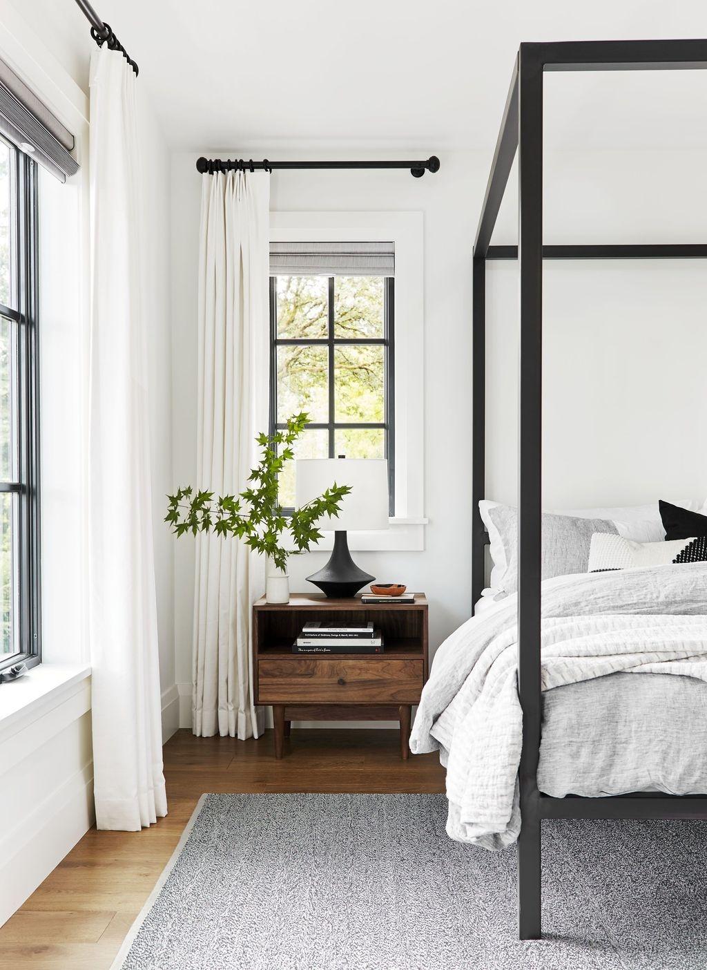 Beautiful White Bedroom Design Ideas 30