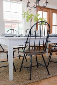Choosing The Right Farmhouse Dining Room Table 02