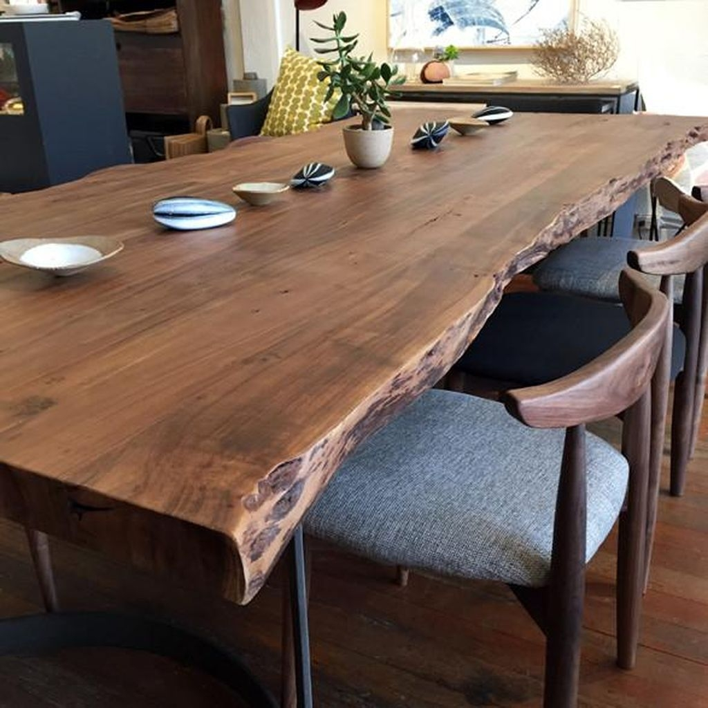 Choosing The Right Farmhouse Dining Room Table 07