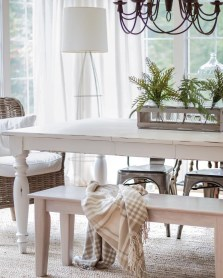 Choosing The Right Farmhouse Dining Room Table 22