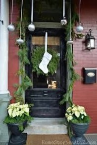 Lovely Winter Front Porch Decoration That Will Make Your Porch Looks Beautiful 41