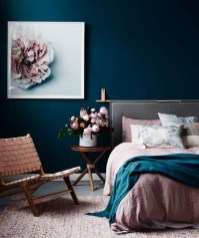 Make Your Bedroom More Romantic With These Romantic Bedroom Decorations 02