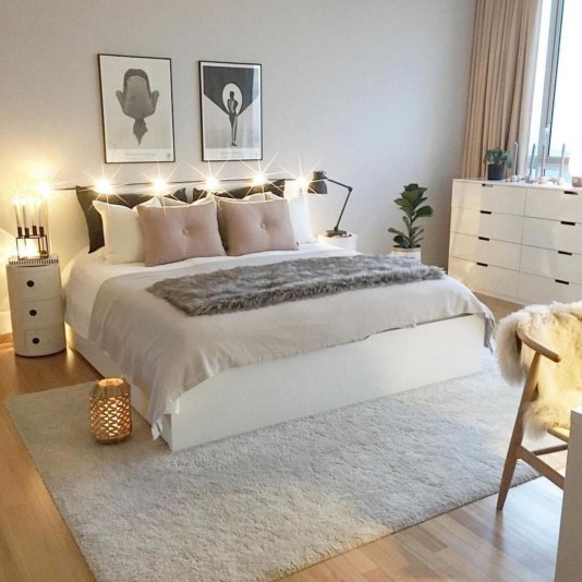 Make Your Bedroom More Romantic With These Romantic Bedroom Decorations 42
