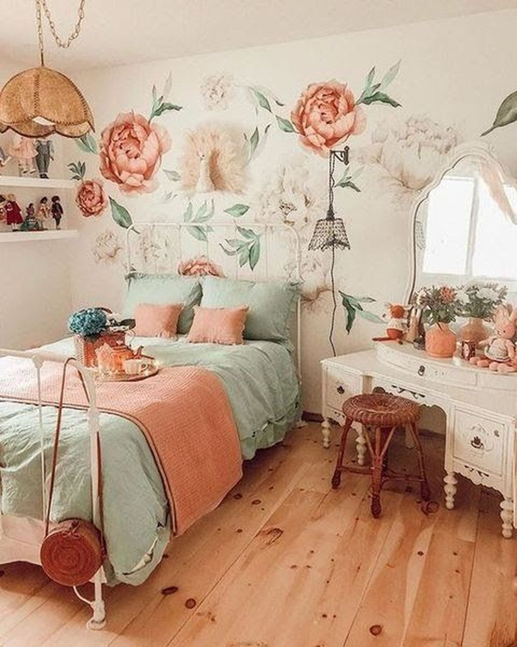 Make Your Bedroom More Romantic With These Romantic Bedroom Decorations 50